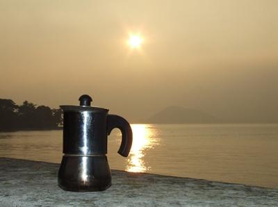 Moka sul tramonto del Lago di Como