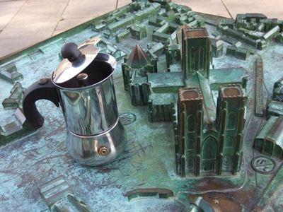 Moka con il piccolo Duomo di York